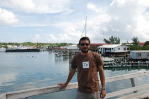 En el muelle de Alton's Dive Center en Utila.